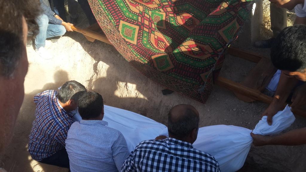 nafia-sari-cenaze4