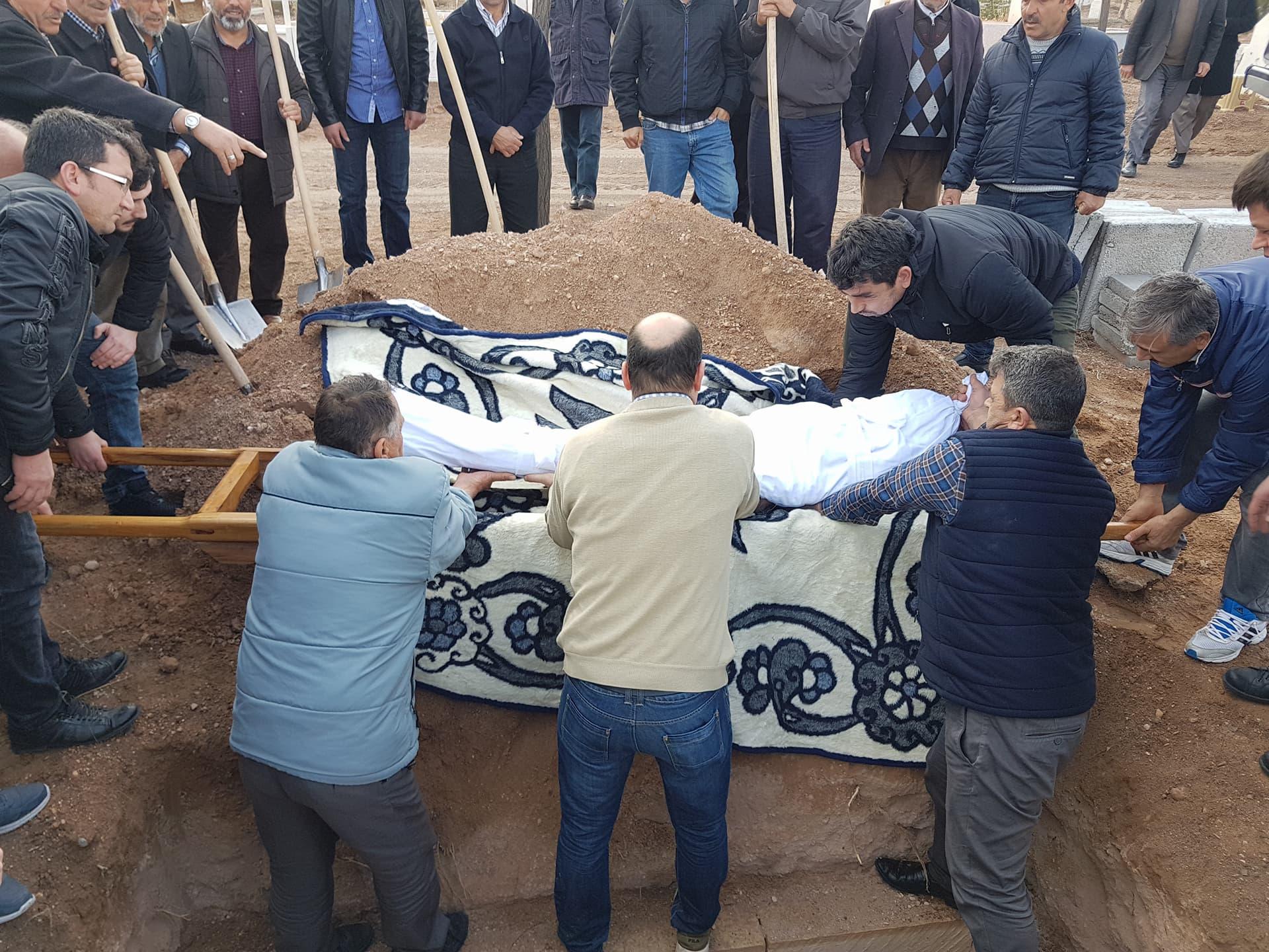 ali oğlu izzet kamacı vefat etmiştir