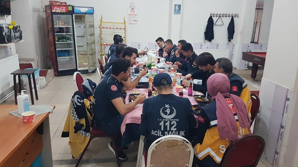 112 acil sağlık personeli ve jandarma personeli iftar yemeğinde buluştu